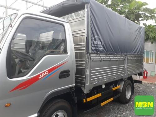 Giá xe tải Jac 2.4 tấn thùng mui bạt