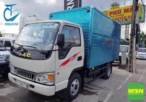 Giá xe tải Jac 2.4 tấn thùng kín