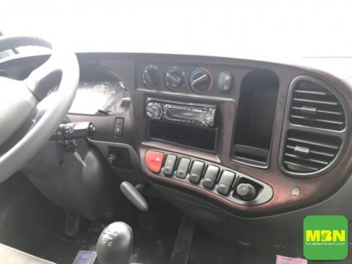Nội thất Xe Ben Hyundai HD65 tải 2.5 Tấn thùng 2 khối